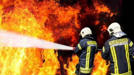 Privatgeräte können Brände verursachen.