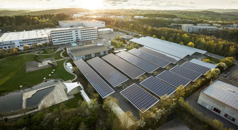 ABB baut CO2-neutralen Fertigungsstandort