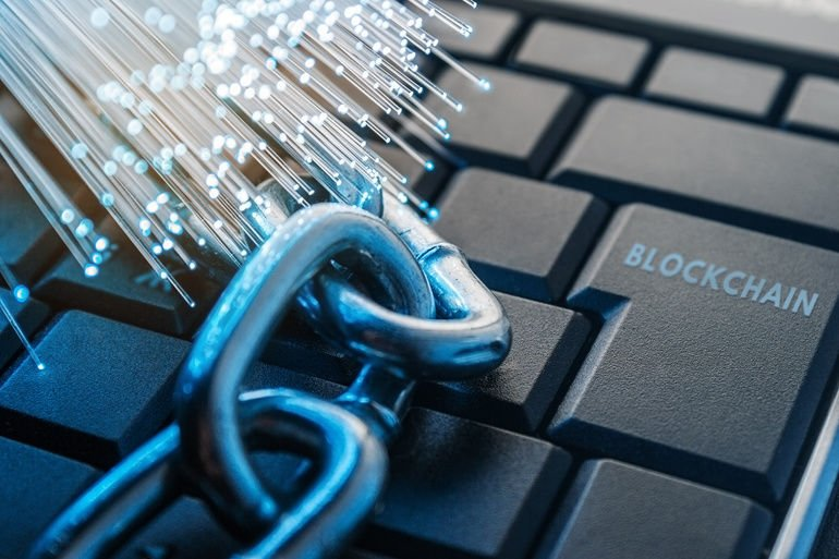 blockchain_technology_concept._The_chain_lies_on_the_keyboard