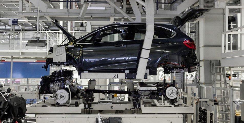 BMW beim Zusammenbau