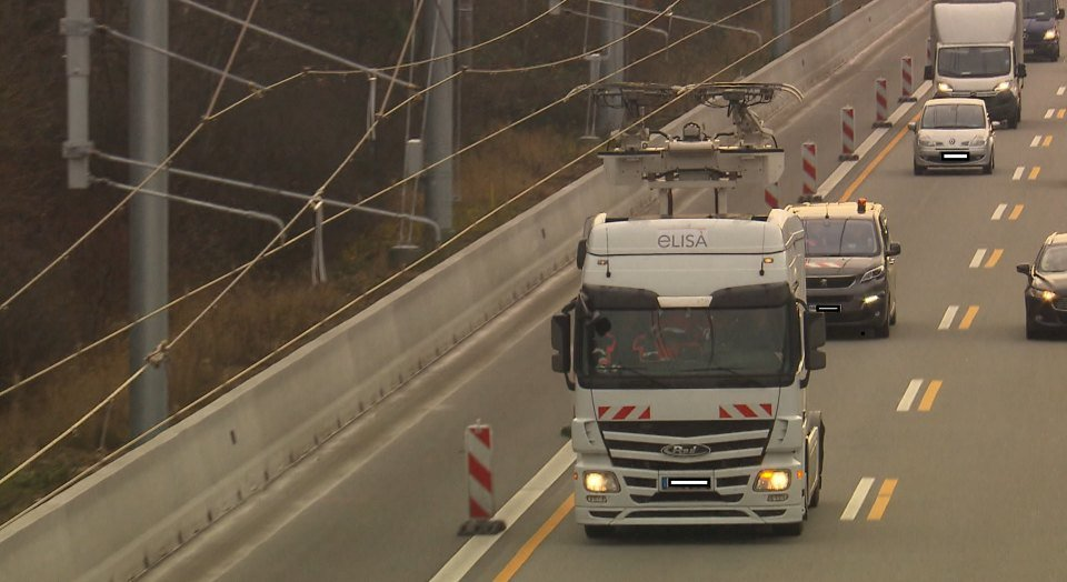 Hessen Mobil testet E-Highway auf A5