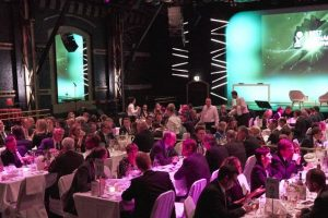 Blick auf das Podium beim BMC Award