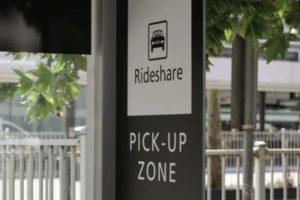 Ein Ride-Sharing-Schild an einer Straße. Bitkom hat die Deutschen nach ihrer Einschätzung zu neuen Mobilitätsangeboten gefragt. Bild: robert/Adobe Stock
