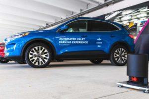 Automated Valet Parking: Fahrerlos Parken dank intelligenter Infrastruktur. Bosch, Ford und Bedrock testen es gerade in Detroit.