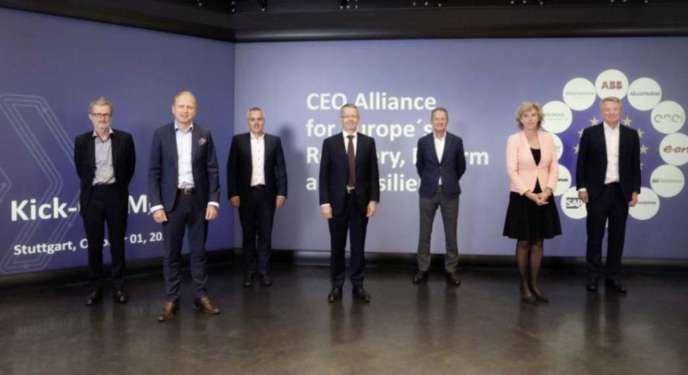 Die CEO-Allianz in Stuttgart. Im Bild: Georg Kell (Advisor), Henrik Henriksson (Scania), Peter Weckesser (Schneider Electric), Thierry Vanlacker (AkzoNobel), Herbert Diess (Volkswagen), Connie Hedegaard (Advisor) and Björn Rosengren (ABB)