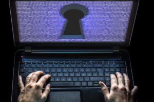 Ralf Geithe Cyberkiminalität Laptop Hacker Adobe Stock