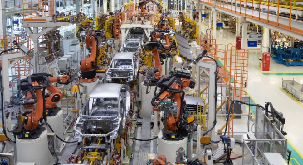 Fertigung Autoindustrie Roboter