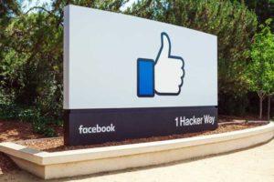 Facebook Schild am Hauptquartier