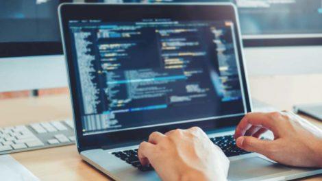 Programmierer codet Code Ifaa Programm AWA
