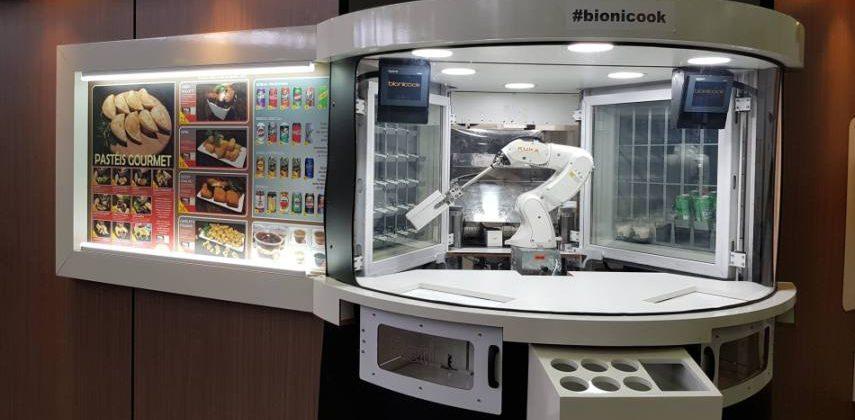 KUKA Bionicook Fast Food Roboter