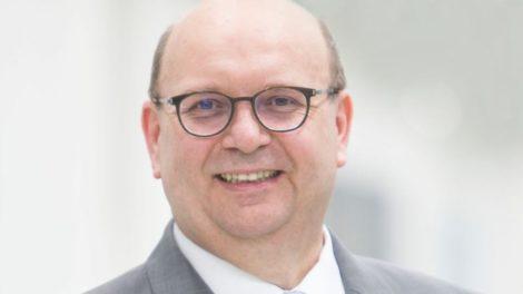 Prof. Dr. Peter Hofmann KUKA