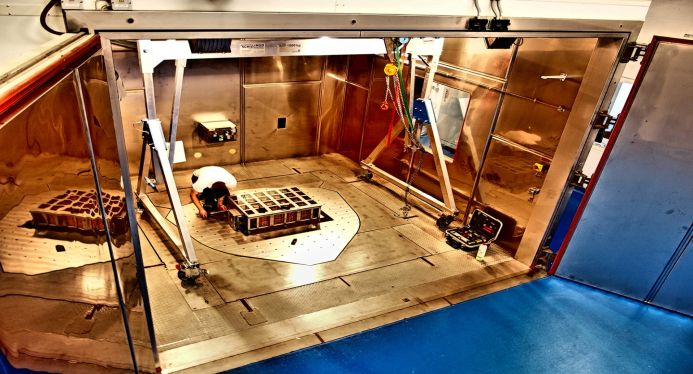 Laborprüfung E-Fahrzeug-Batterien