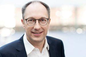Peter Mohnen KUKA CEO Auftrag E-Mobilität