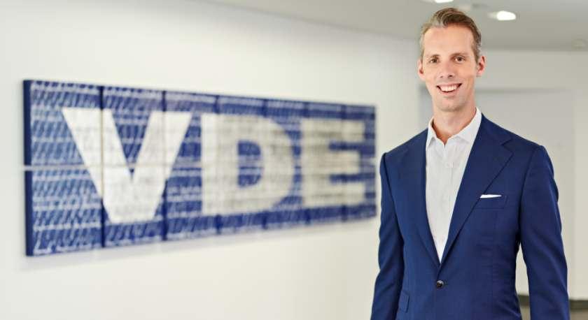 Porträtbild von Ralf Petri, dem neuen Leiter des Geschäftsbereichs VDE Mobility. Bild: Uwe Nölke