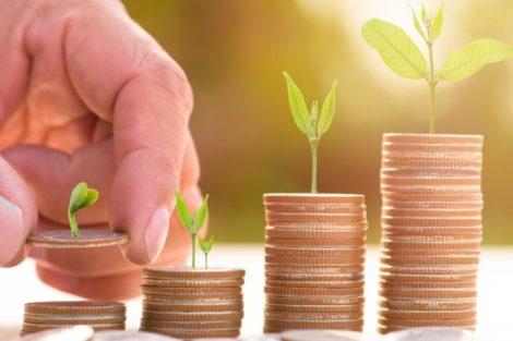 Private Equity Investitionen PwC Looker_Studio Adobe Stock