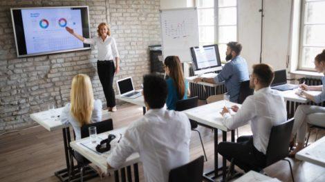Weiterbildung Präsenz-Veranstaltung Studie PwC