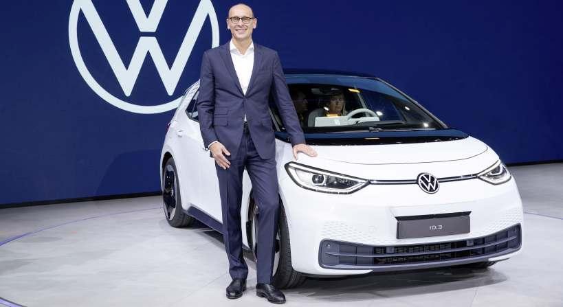 Ralf Brandstätter, hier vor einem ID.3, wurde zum CEO der Marke Volkswagen berufen.