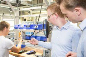 Mithilfe von smarter Technologie und entsprechender Expertise lassen sich Montageprozesse optimieren. Grean GmbH