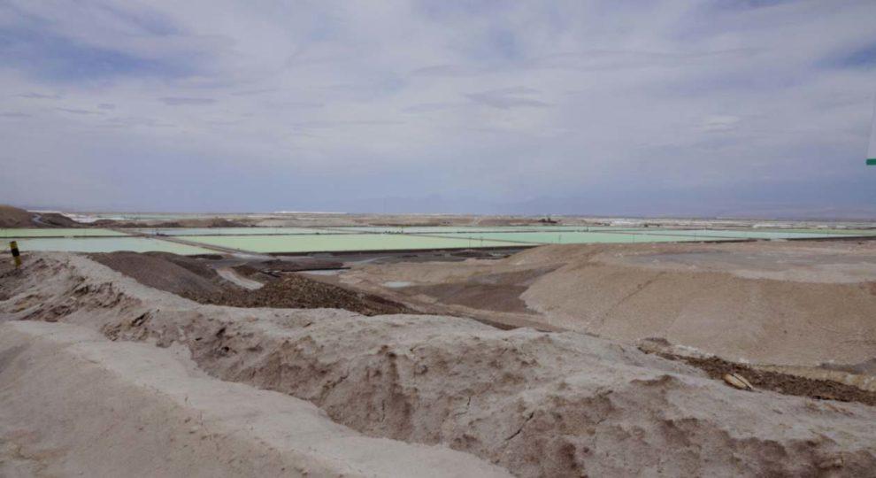 Salar de Atacama in Chile. VW, Daimler, BASF und Fairphone wollen Responsible Lithium Partnership vorantreiben