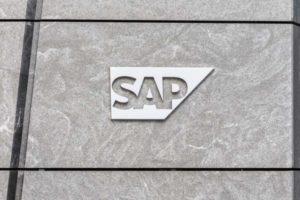 SAp-Logo auf dem Headquarter-Gebäude in New York, USA. Das Walldorfer Unternehmen hat Julia White und Scott Russell in den Vorstand berufen.