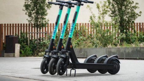 Drei E-Roller von E-Mobility. Das Startup hat im vergangenen Jahr 212 Millionen Euro frisches Geld erhalten.