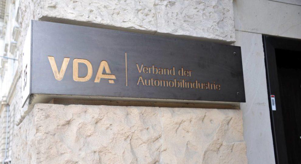 VDA Verband der Automobilindustrie Schild in Berlin