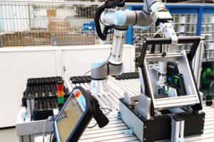 Voith Robotics und Universal Robots gehen eine strategische Partnerschaft ein.