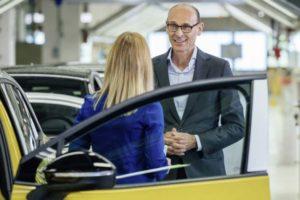 Markenvorstand Ralf Brandstätter beim Start der Serienproduktion des ID.4 in Zwickau.