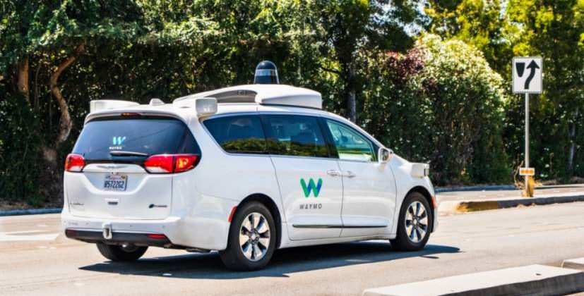 Ein selbstfahrendes Auto von Waymo in Palo Alto. Bild: Sundry Photography